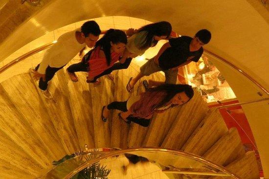 Ramada Jerusalem: Escadaria do Hotel é linda