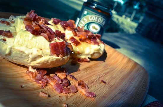 """Ozro & Ray's Authentic Homestle Bagels: """"The Elvis"""""""