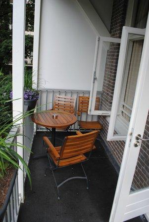 Alp Hotel Amsterdam: Balcony of room facing back