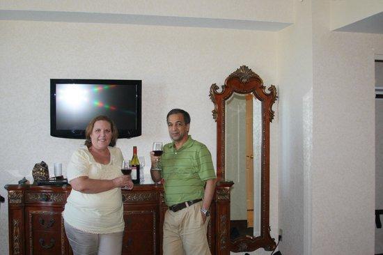 Floridan Palace Hotel: Con una botella de vino ,cortesia del Hotel.