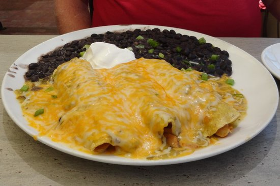 Gorge Bar and Grill: Enchiladas with black bean side