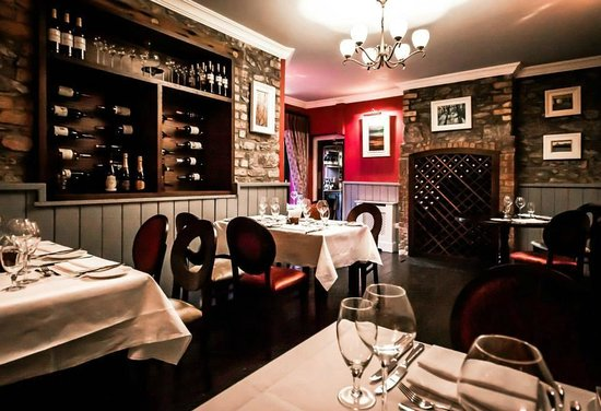 West End House Restaurant: The Burgundy Room
