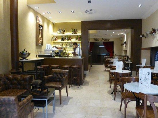 Hotel Adagio : 内観