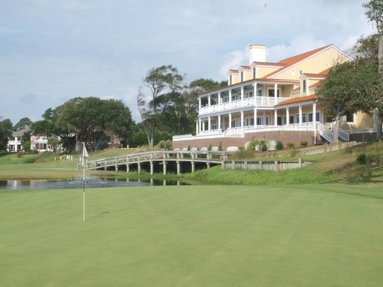 The View at Brick Landing Plantation : Golf and Clubhouse