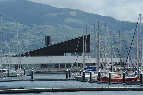 Anfiteatro Restaurant & Lounge: The restaurant (as seen from the Marina)