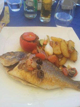 Le Casino: Piatto a base di pesce e verdure