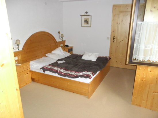 AktivHotel Veronika: chambre parents