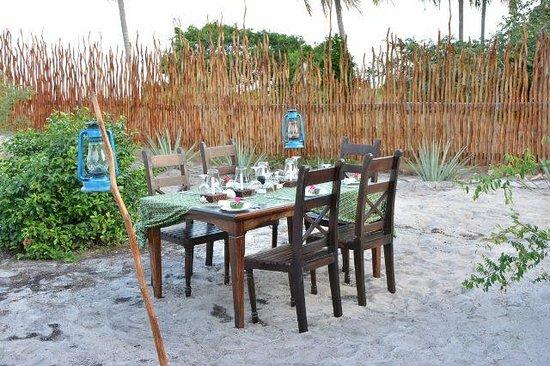 Kijongo Bay Beach Resort: Dinner al fresco