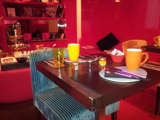 Five Hôtel : Espace petit déjeuner