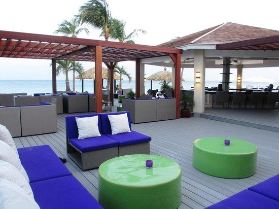 Bucuti & Tara Beach Resort Aruba: SandBar and Lounge