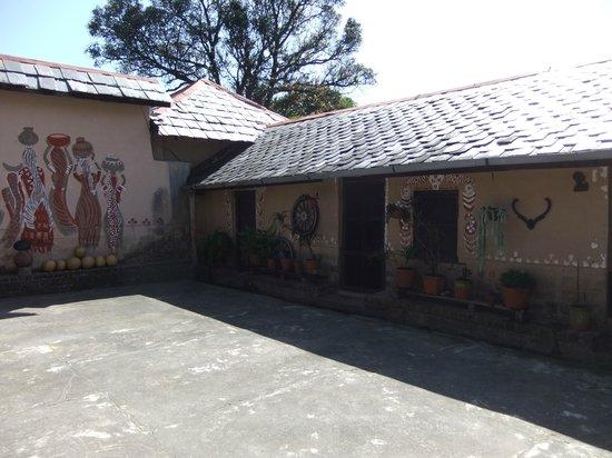 Darang Tea Estate: beautiful courtyard