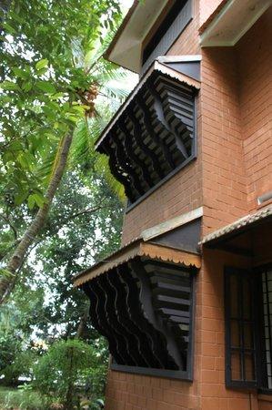 Malakkarethu House: Windows