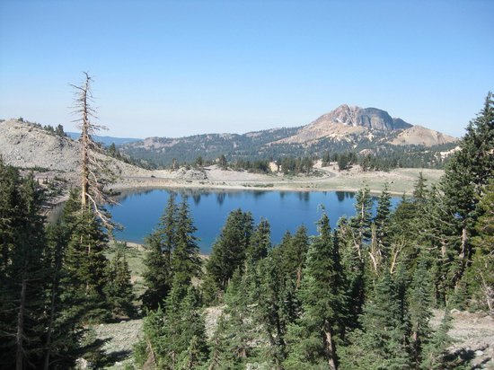 ‪Lassen Volcanic National Park Hiking Trails‬