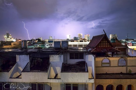Rustic Guesthouse : The view from the Deluxe Suit on a stormy night