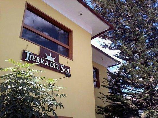Tierra del Sol Hotel: Fachada