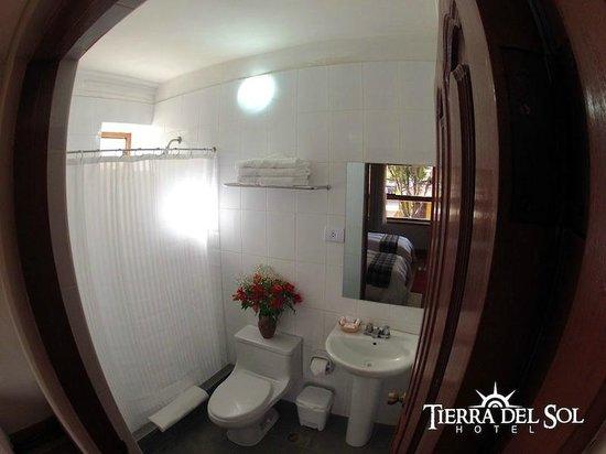 Tierra del Sol Hotel: Baños nuevos
