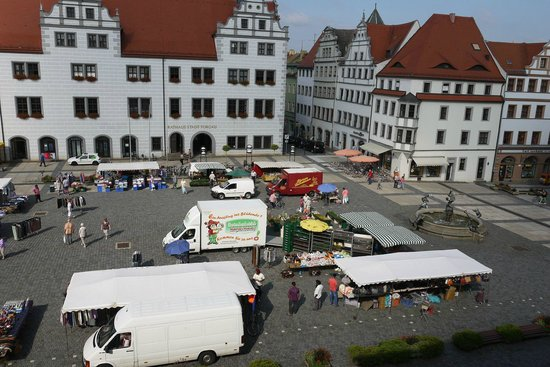 Hotel Goldener Anker: view of market place from room