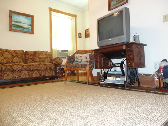 Historic Hill Inn: Apt/Suite Living Room