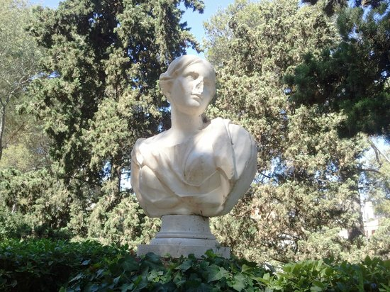 Jardin Santa Clotilde : statue