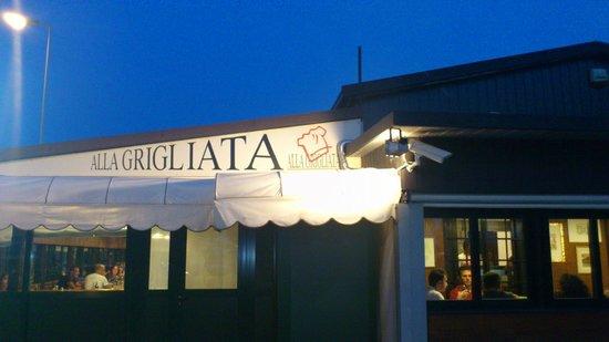 Alla Grigliata: Esterno del ristorante