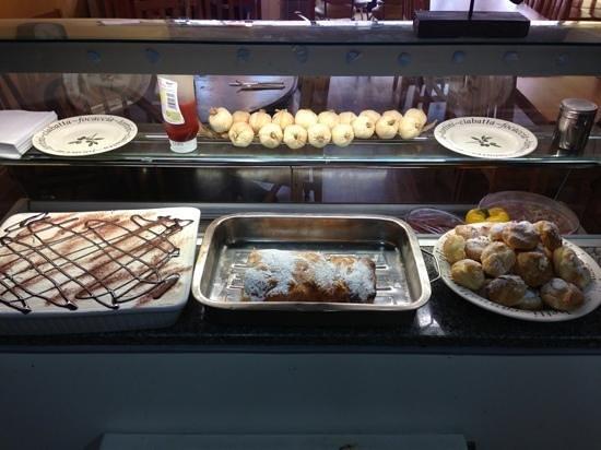 Bellaggio: home made cakes