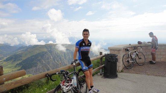Villa Rosa : At the peak of Mt Grappa which is a climb close to Villa-Rosa