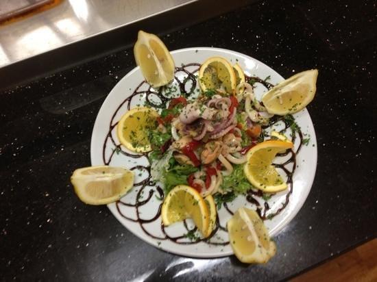 Bellaggio: seafood salad