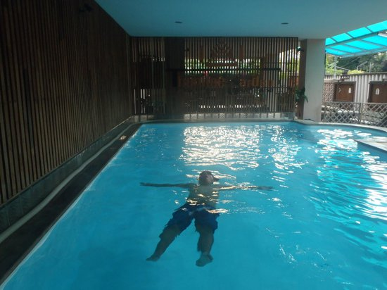 Thaphae Garden Guesthouse: Enjoy Swimming at Tpahae Guesthouse