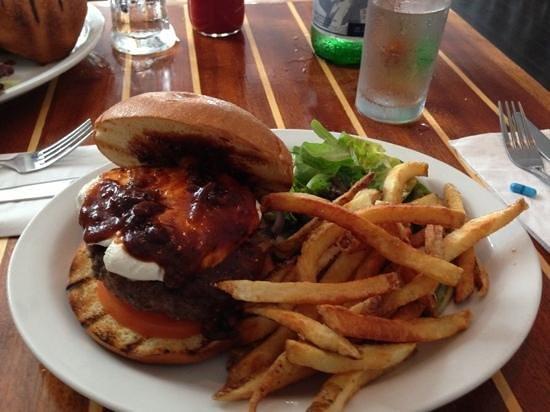 Blackfin Bistro: diablo burger