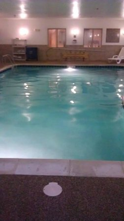 Holiday Inn Express Hotel & Suites/Lititz : Swimming pool