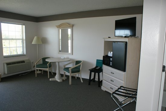 Sun Coast Inn: New carpet