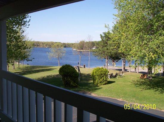 Shermalot Motel: View of Lake Sherwood