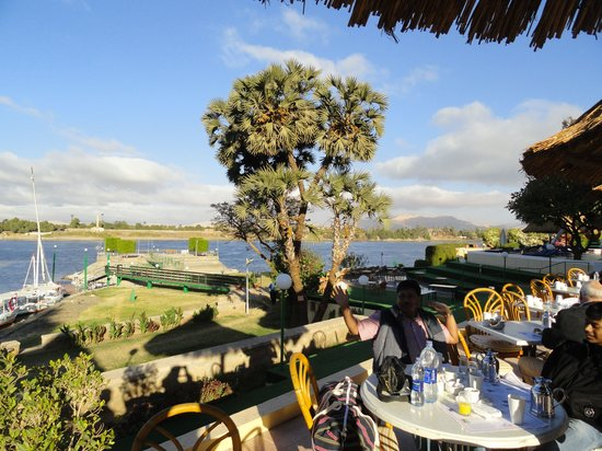Jolie Ville Hotel & Spa - Kings Island, Luxor: the open segment of breakfast arena by the river nile...
