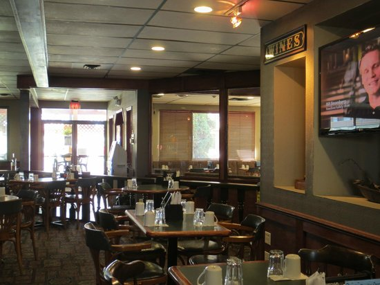 Enderby, Kanada: Interior view from the booth area