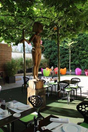 art & business Hotel: Corte interna