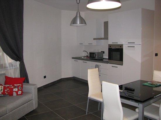 Turatisette - Art Residence : кухня, столовая, большая комната