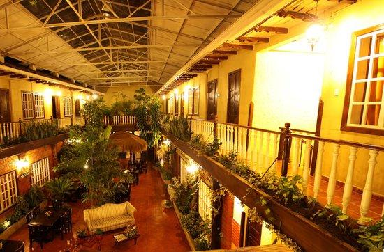 Gran Hotel: Patio