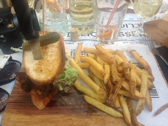 Delicatessen : burger!
