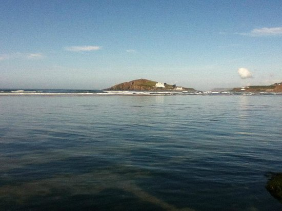 Bantham Beach: Early morning with the tide in and a great view of Burgh Island