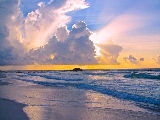 Cabanas La Luna: The Sunrise Right Outside the Cabana