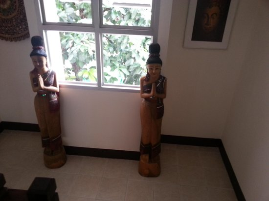 Thaphae Garden Guesthouse: Het trappenhuis