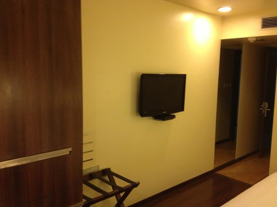 Marasa Sarovar Portico, Rajkot: View of room-2