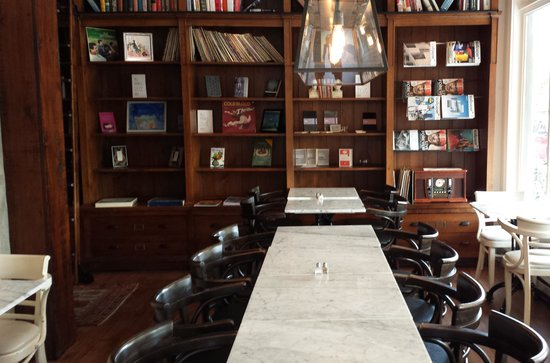 The Tremont Cafe: Inside Tremont Cafe
