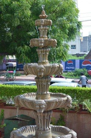 Hotel Taj Resorts: outside the hotel