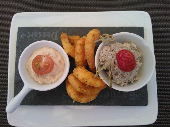 La Coccinelle : L'ardoisette de la mer (rillettes de sardine, tarama et crevettes grillées aux épices)