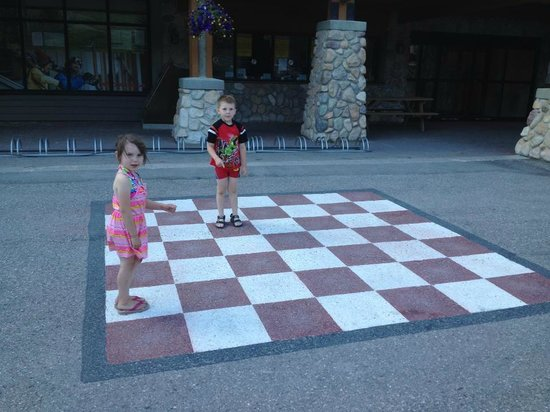 Panorama Mountain Resort: Life size checkers!