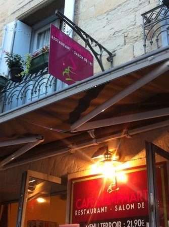 le cafe Dampmartin : devant