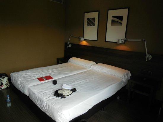 Hotel Medium Valencia : Camera