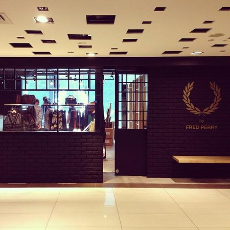 Fred Perry Laurel Wreath Collection Shop