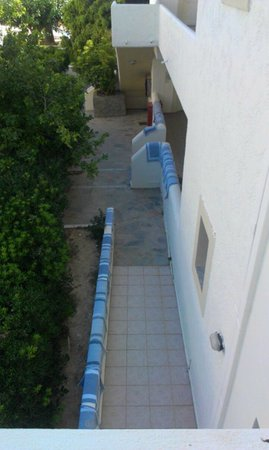 Rethymno Sunset Hotel: tørring af vasketøj på husmurene